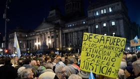La grotesca desunión de los argentinos